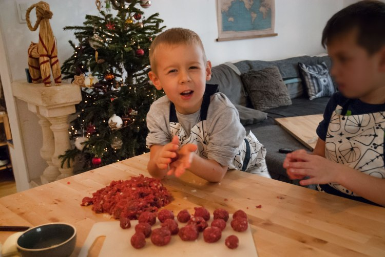 christmas-celebration-holidays-lilla-jul-6