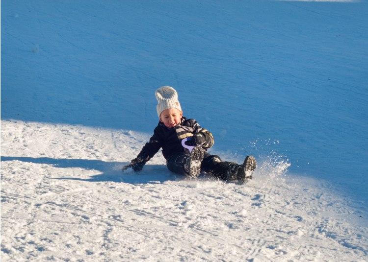 sledge-ski-vacations-holidays-kids-winter-pulka-luge-lesarcs-5b