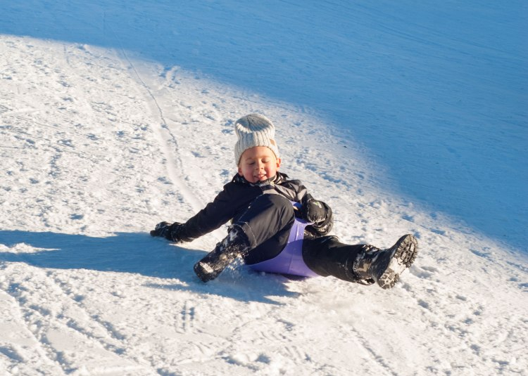 sledge-ski-vacations-holidays-kids-winter-pulka-luge-lesarcs-6