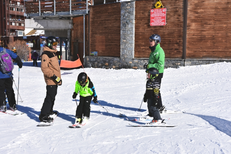 ski-holidays-travel-with-kids-momlife-adventure-winter-vacations-3