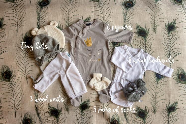 24-03-maternity-suitcase-valise-maternite-babystuff-babygear-bebisklader