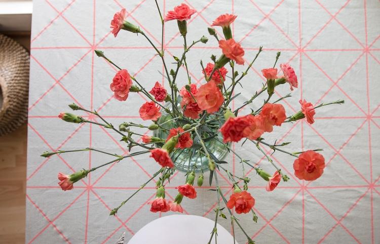 31-03-friday-flowers-fredagsbukett-fleurs-nejlikor