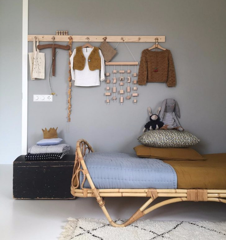 decorating-kids-room-with-mustard-accents-2a-e1507654683994